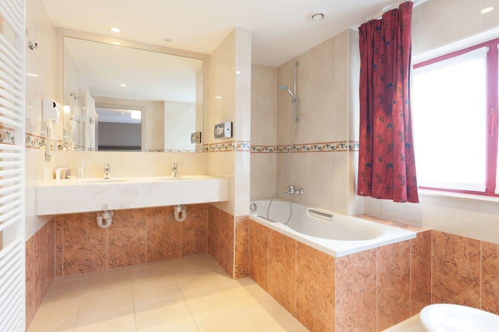 Basic-Doppelzimmer, 1 Queen-Bett - Badezimmer