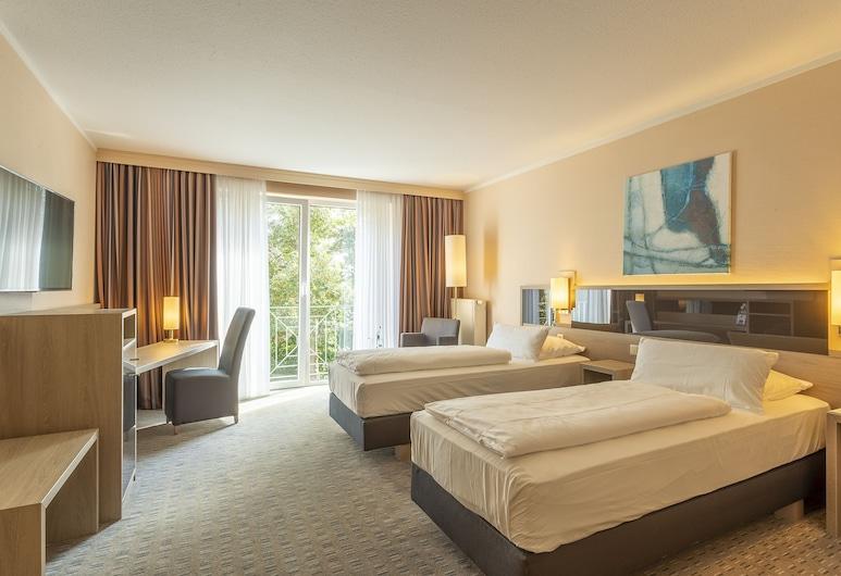 Parkhotel Berghoelzchen, Hildesheim, Superior Double Room, Guest Room