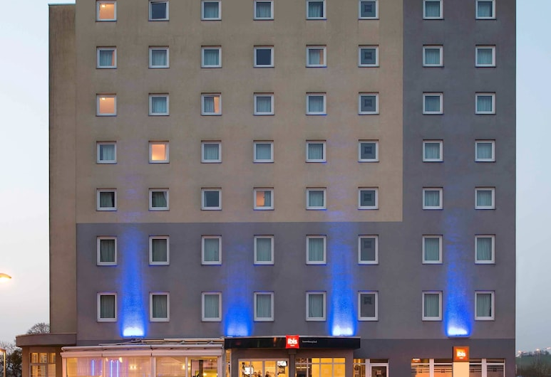 ibis Luxembourg Sud, Roeser, Fassaad