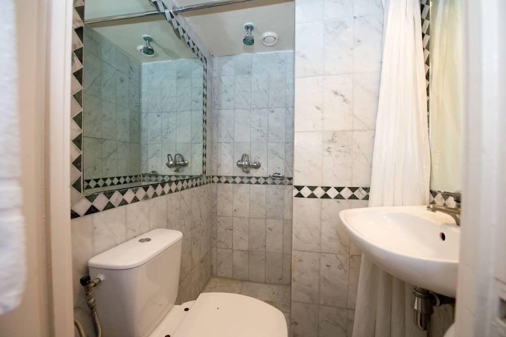 基本客房, 1 張標準雙人床 - 浴室