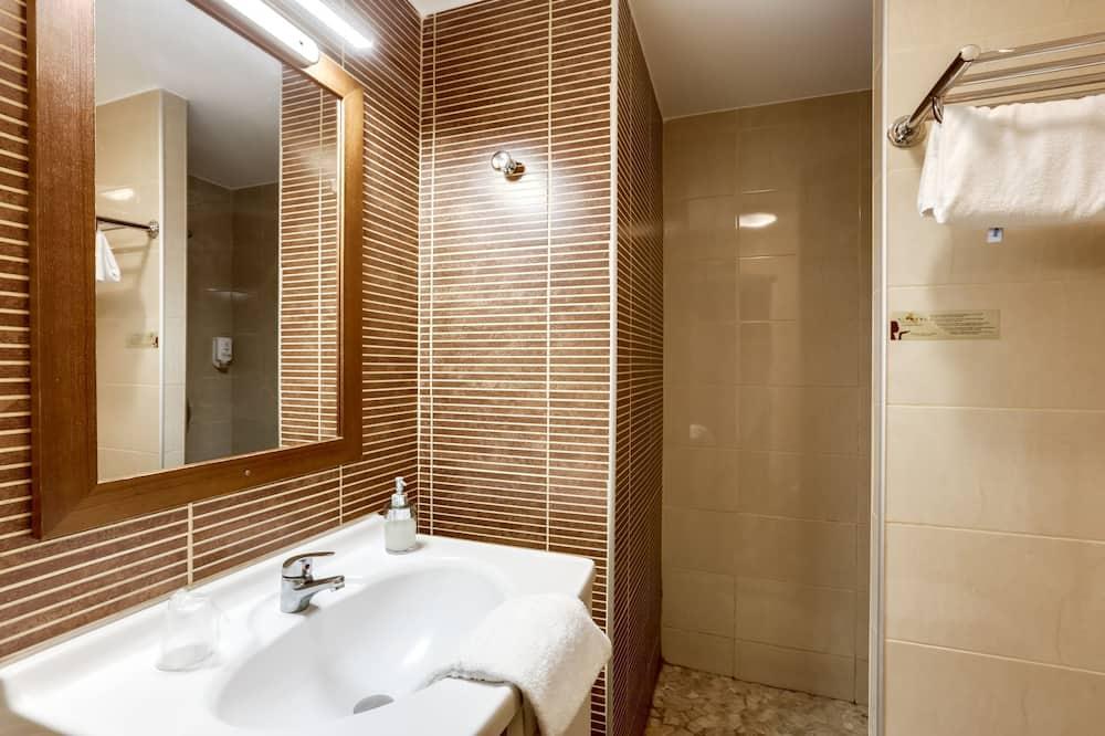 Classic Süit, 2 Yatak Odası, Avlu Manzaralı - Banyo