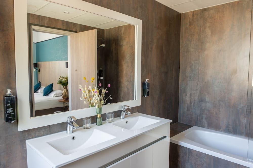 Κοινόχρηστο μπάνιο