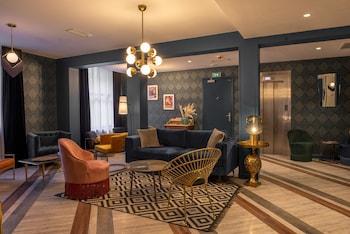 Picture of Bristol Hotel in Avignon