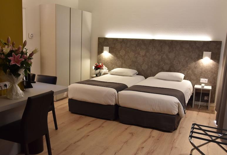 Bristol Hotel, Avignon, Superior kolmetuba, Tuba