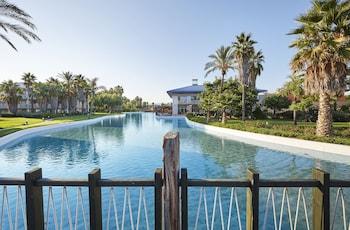 A(z) PortAventura Hotel Caribe - Theme Park Tickets Included hotel fényképe itt: Salou