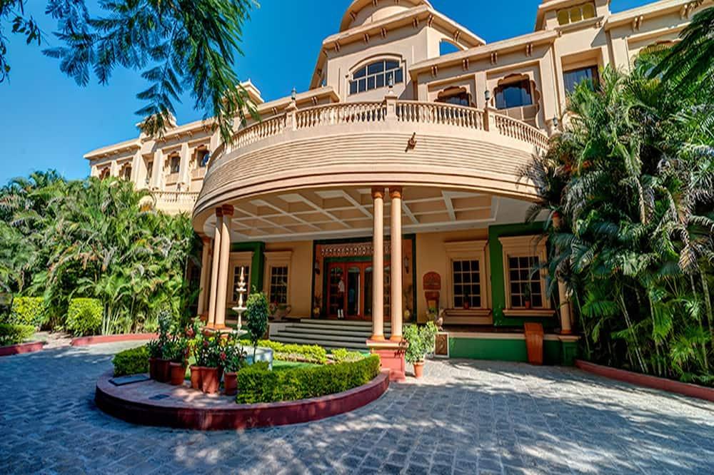 Renest Shraddha Inn - Shirdi, Shirdi