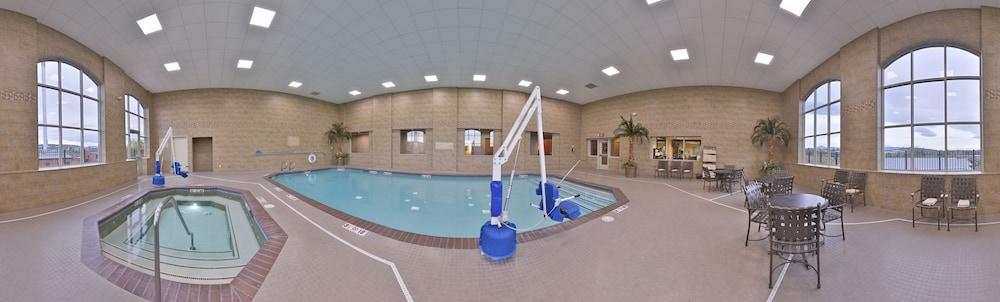 Hilton Garden Inn Bend, Bend, Indoor Pool