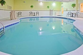 諾克斯維爾麗笙田納西州西諾克斯維爾鄉村套房酒店的圖片