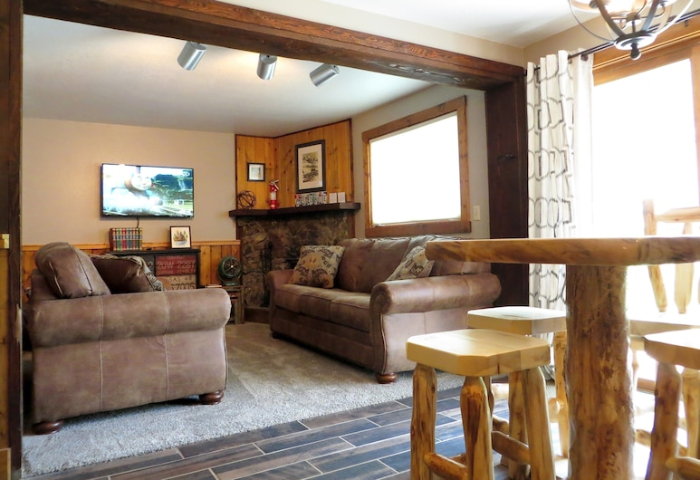 Three Seasons Hotel Suites by Crested Butte Lodging, Crested Butte