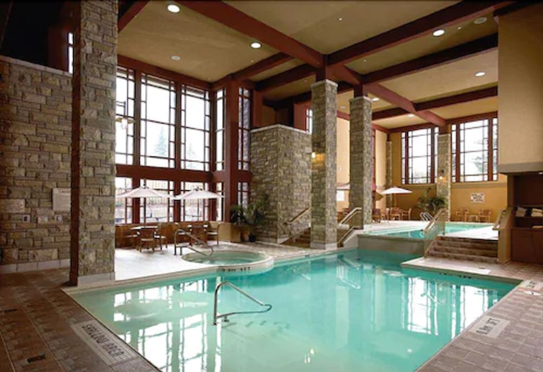 DoubleTree Fallsview Resort & Spa by Hilton Niagara Falls, Niagara Falls, Indoor Pool