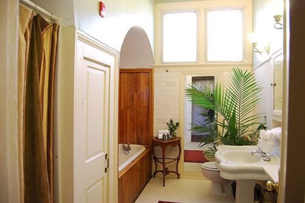 Room (Rothschild Suite) - Bathroom