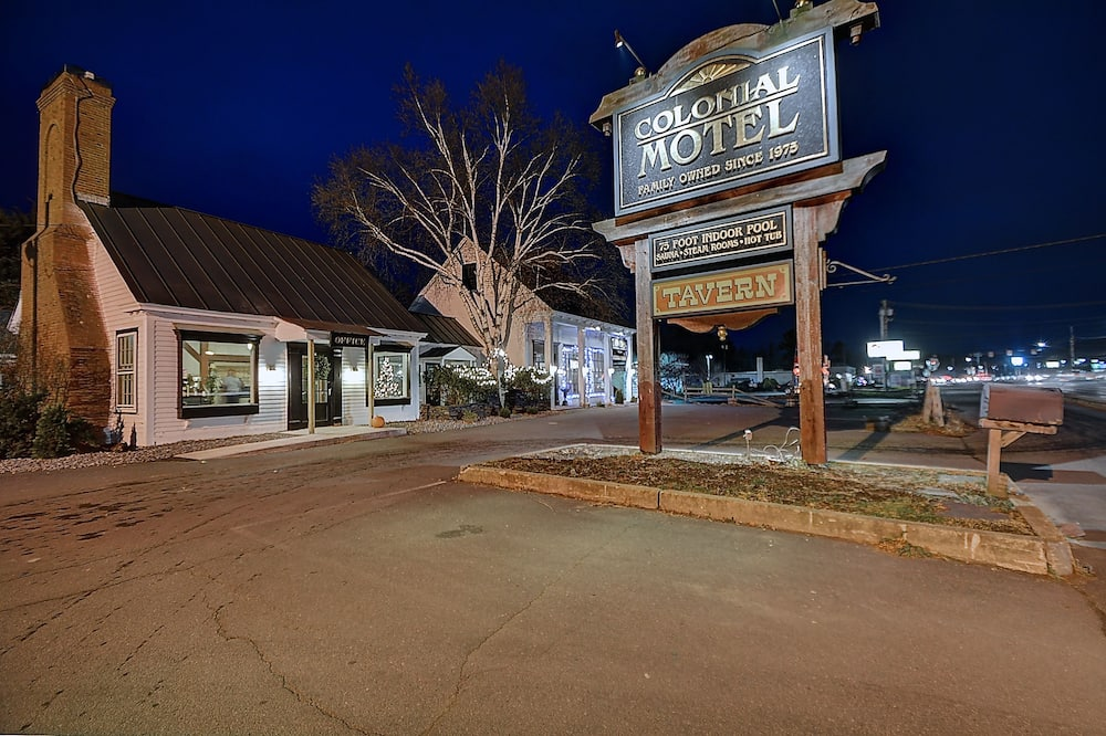 Colonial Motel And Spa