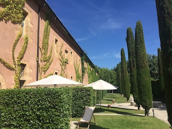 Enter your dates for special Aix-en-Provence last minute prices