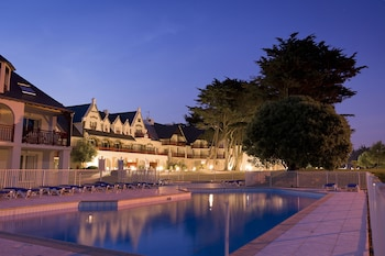 Choose This Luxury Hotel in Le Pouliguen