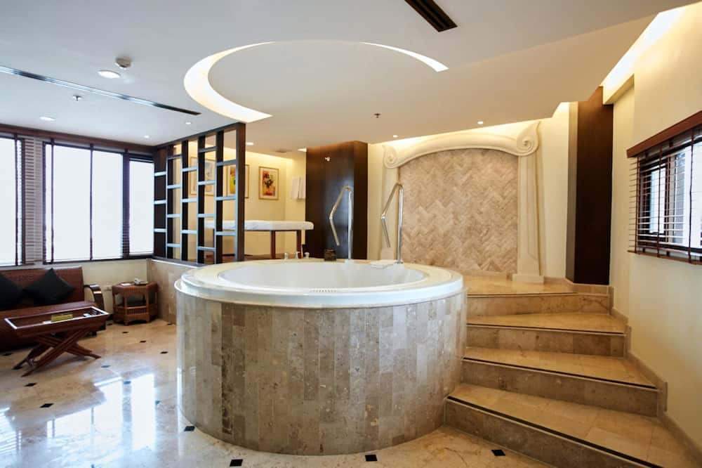 Diplomat Suite (With Jacuzzi) (Corner Wing)  - Privat boblebad
