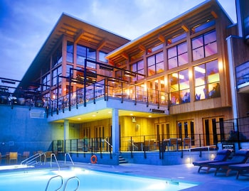 Picture of Brentwood Bay Resort & Spa in Brentwood Bay