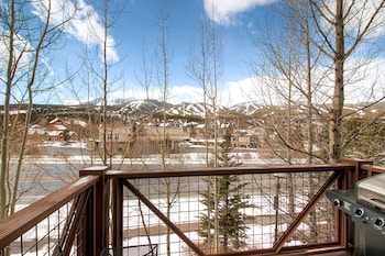Enter your dates for our Breckenridge last minute prices