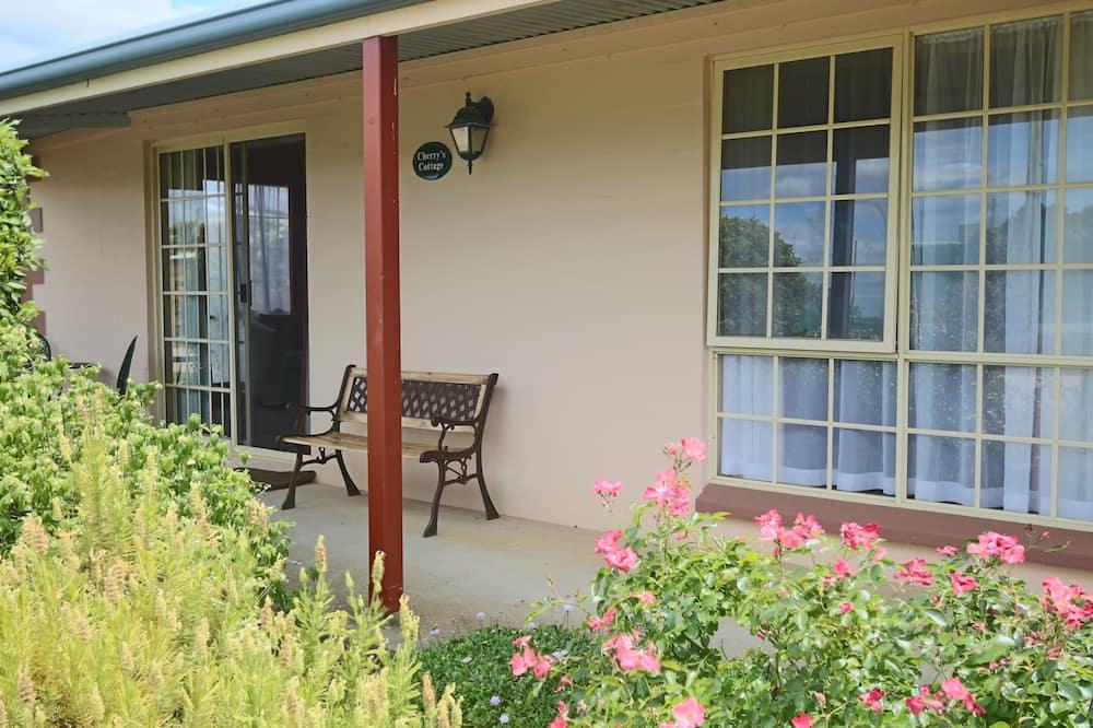 Cottage, 2 Bedrooms (Cherry) - Balcony