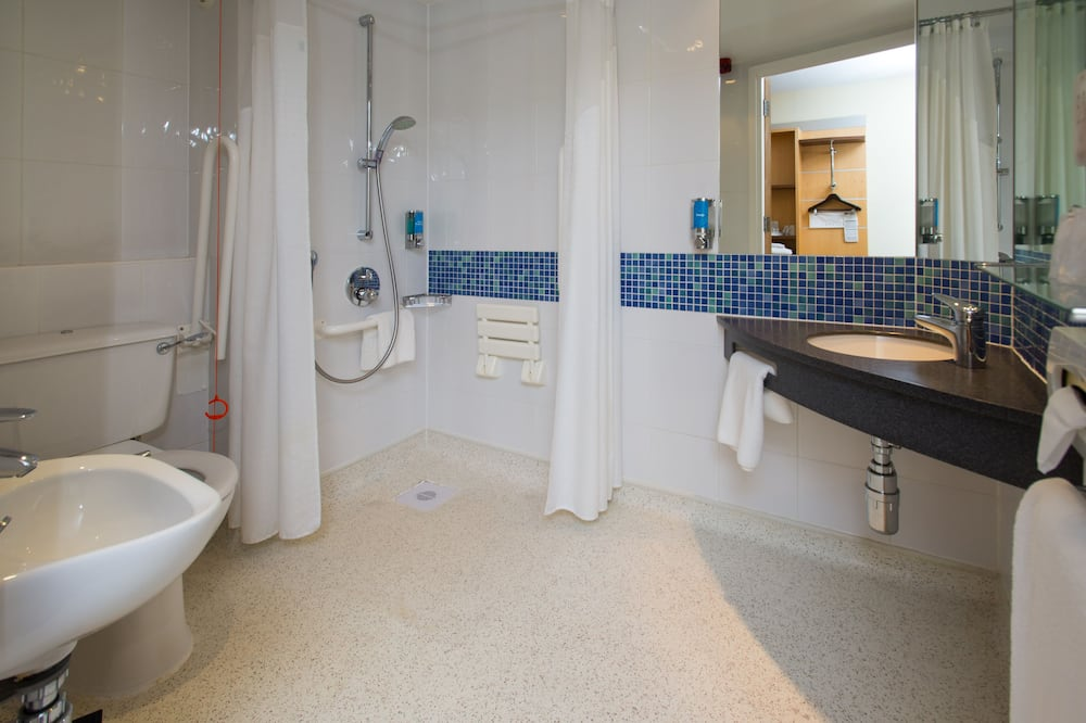 Room, 1 Double Bed, Accessible - Bathroom