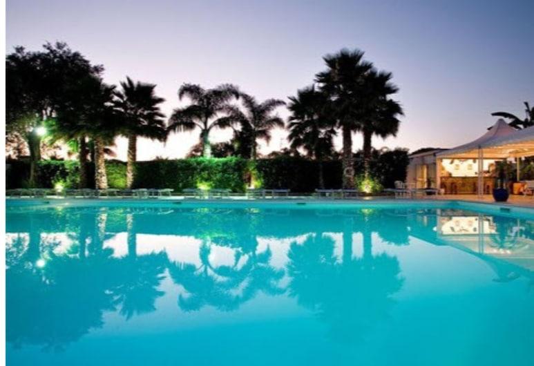 索倫托埃斯佩里迪夢度假村, 聖亞尼雅羅, 室外泳池