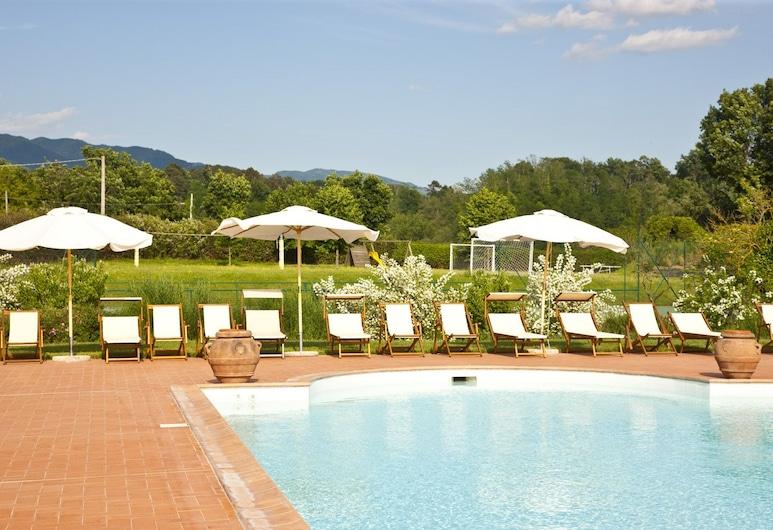 Monsignor della Casa Country Resort & Spa, Borgo San Lorenzo, Buitenzwembad