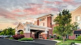 Choose This Mid-Range Hotel in Branchburg