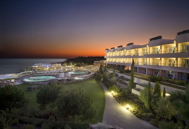 Grande Real Santa Eulalia Resort, Albufeira, Hotellets front – kveld/natt