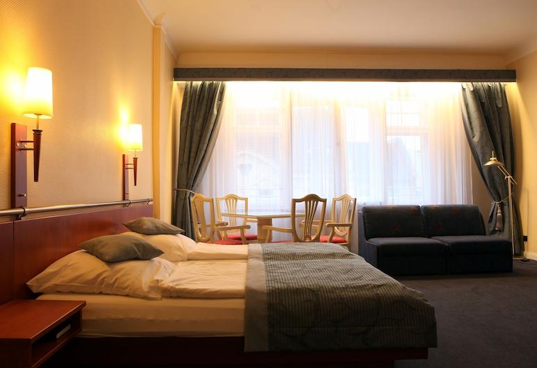 Kurfürst am Kurfürstendamm, Berlin, Vierbettzimmer, Zimmer