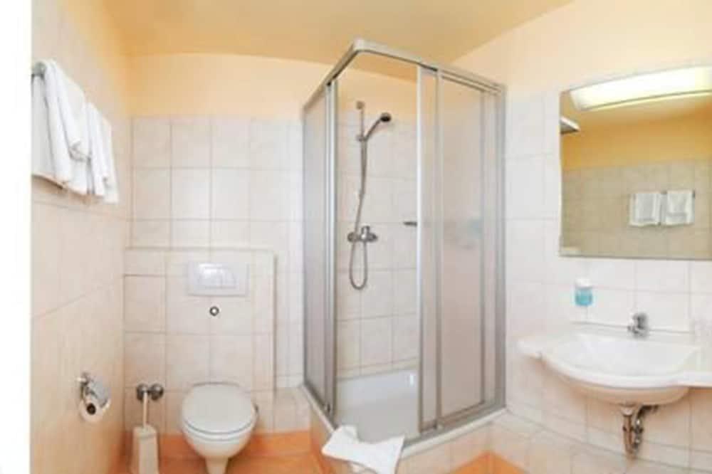 Kahden hengen huone (with privat external bathroom) - Kylpyhuone