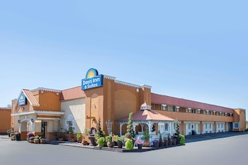 Picture of Days Inn & Suites by Wyndham Terre Haute in Terre Haute