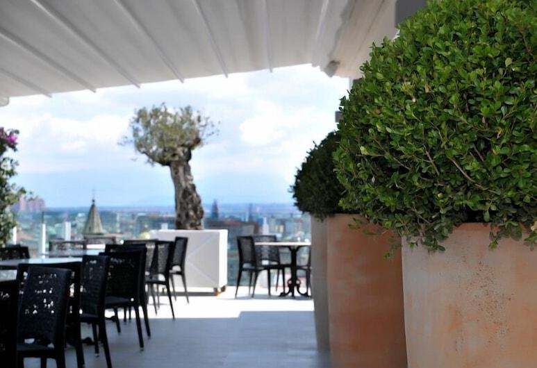 Grand Hotel Oriente, Napoli, Utendørsservering