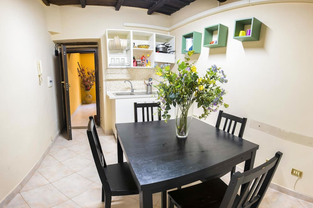 Apartment, 1 Bedroom, Annex Building - In-Room Dining