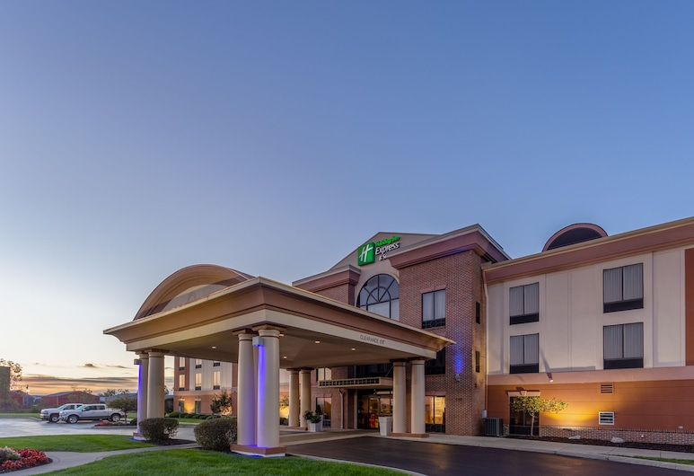 Holiday Inn Express Hotel & Suites Bowling Green, באולינג גרין