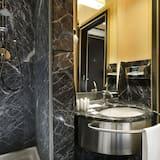 Classic Double Room Single Use - Bathroom