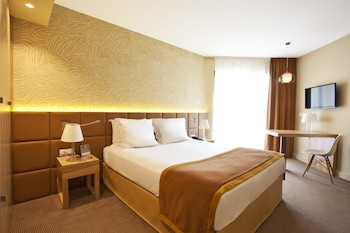 Picture of Best Western Le Paradou Avignon - Sud in Avignon
