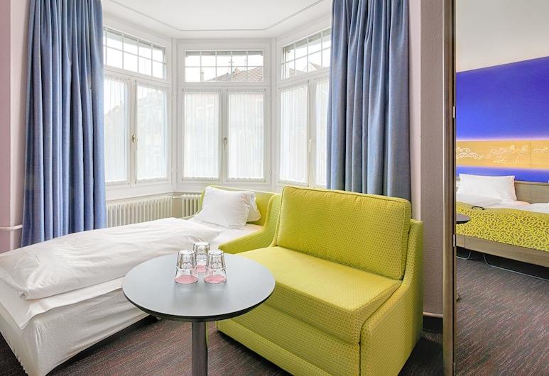 Hotel Drei Könige, Lucerne, Standard Triple Room, Guest Room