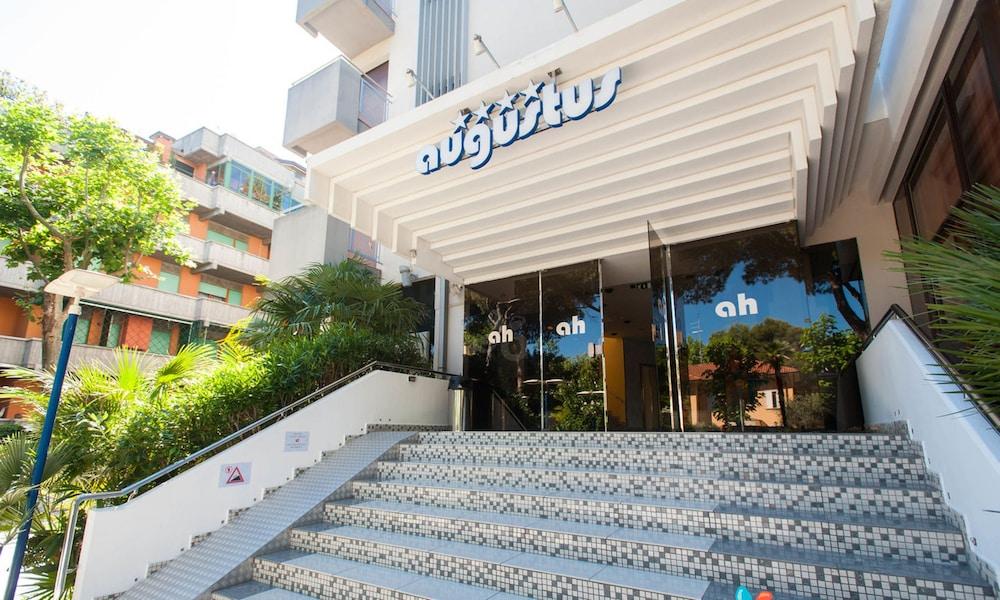 Book Hotel Augustus in Riccione | Hotels.com