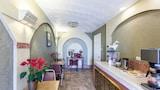 Choose This Rodeway Inn Hotel in San Antonio - Online Room Reservations