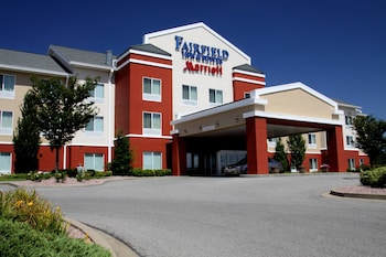 Picture of Fairfield Inn and Suites by Marriott Marion in Marion