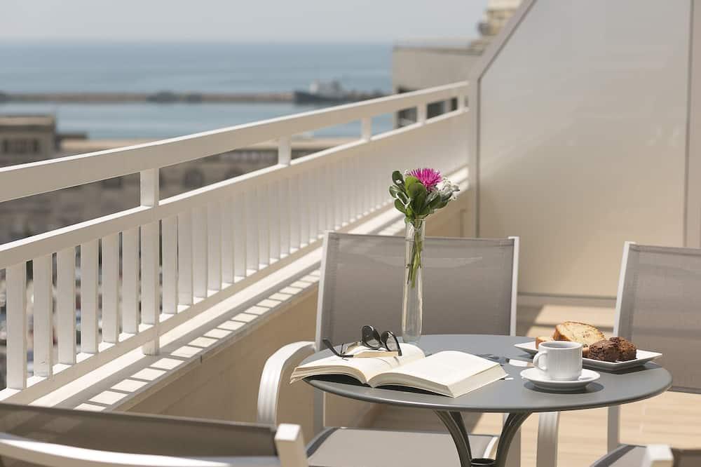 Номер-люкс категорії «Джуніор», з видом на море - Балкон