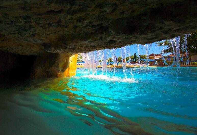 Travellers Beach Resort, Negril, Pool Waterfall