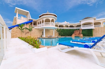 Picture of Travellers Beach Resort in Negril