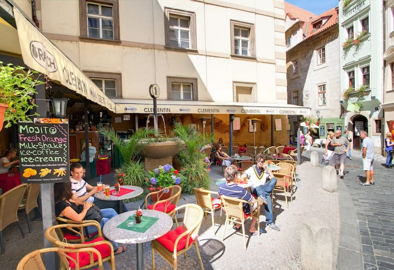 Clementin, Prag, Terrass