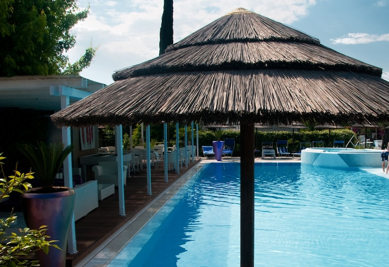 Hotel Olivi Thermae & Natural Spa, Sirmione, Outdoor Pool