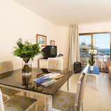 Apartment, 1 Bedroom, Balcony (4 adults) - Living Area