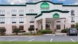 Book this In-room accessibility Hotel in West Monroe