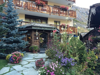 Enter your dates to get the Zermatt hotel deal