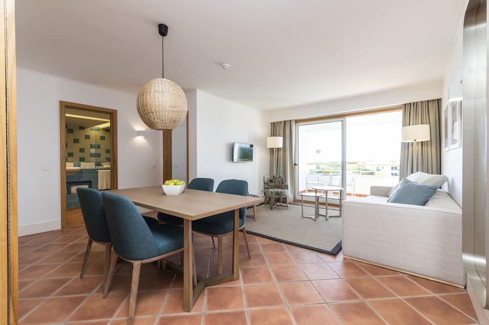 Apartamento estándar, 2 habitaciones, vistas a la piscina - Zona de estar