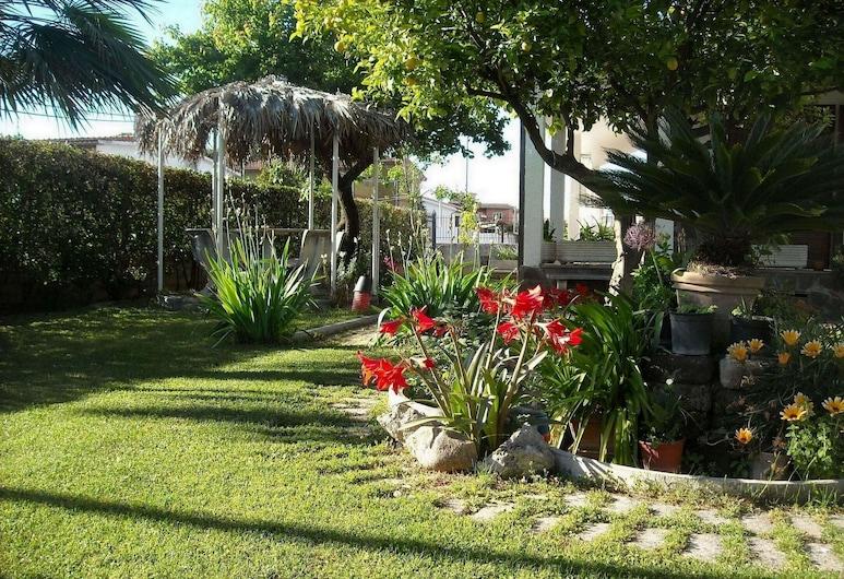 吉拉蒂諾阿蘭奇家庭型酒店, 羅馬, 泳池