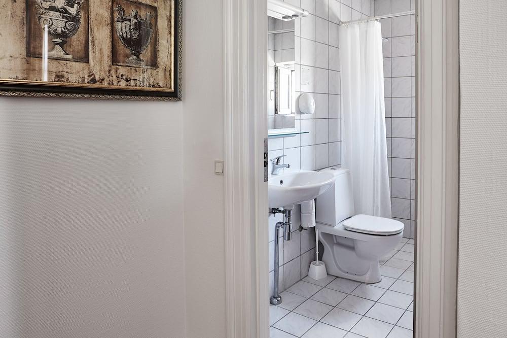 Quarto Duplo Económico, 1 cama individual extragrande (140 cm) - Casa de banho